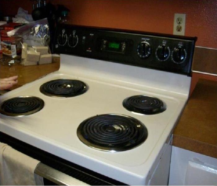 Kitchen Stove-Top Fire in Dallas, Oregon Before