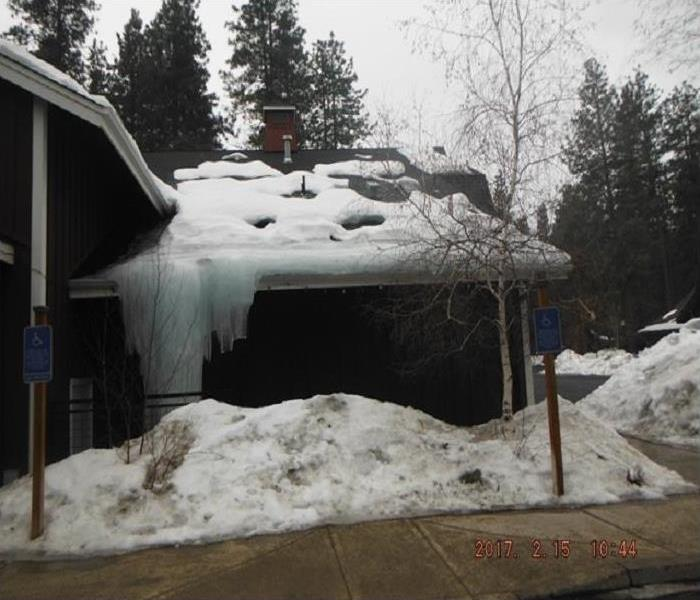 Storm Damage Ice Dam in Bend, Oregon